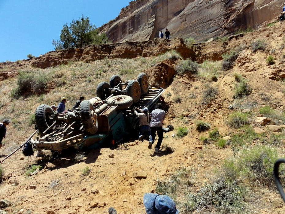 THE ACCIDENT AT CANYON DE CHELLY | On The Road With Jim And Mary
