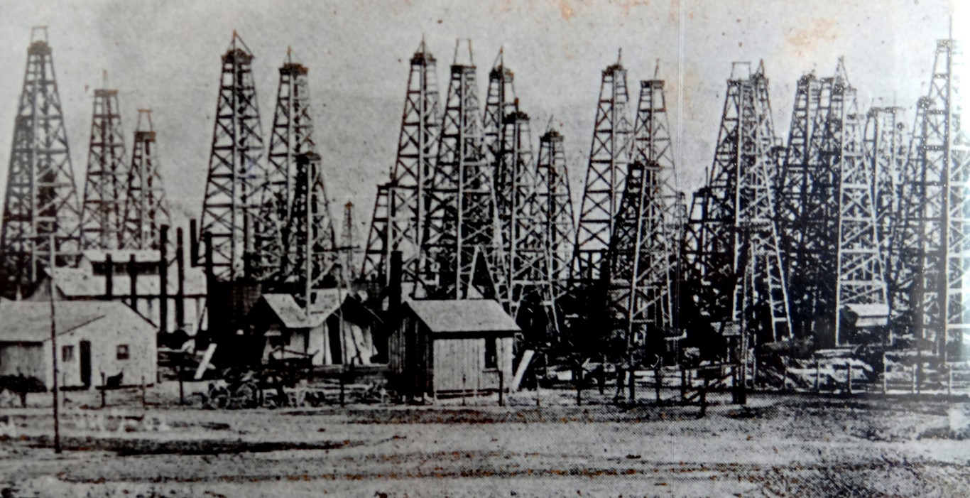 Spindletop Oil Field Boom Town On The Road With Jim