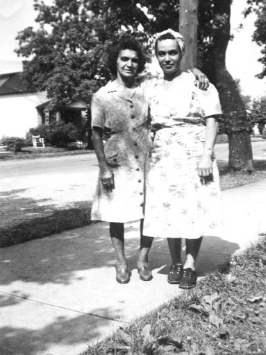 img314Rose Dionne and daughter Marietta Rhinehardt