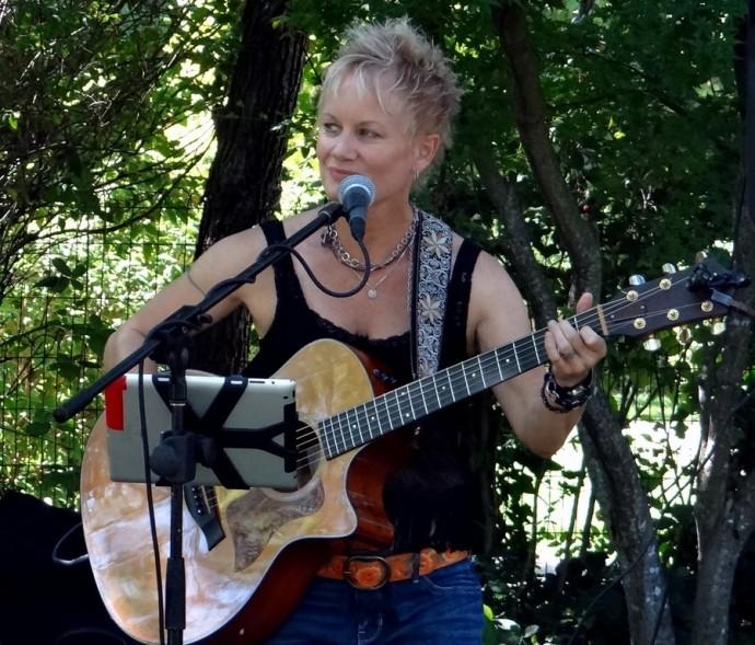 Gail Warren