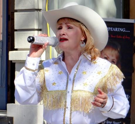 Maria Behn as Patsy Kline
