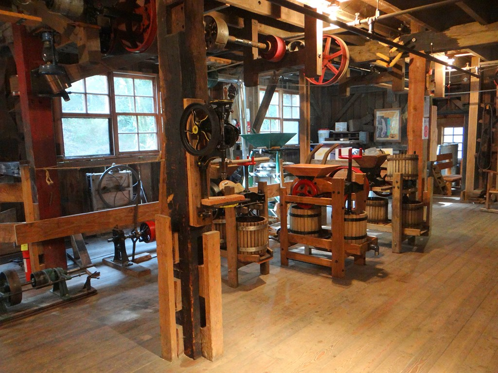 Cedar creek grist mill woodland washington ramblin for The cedar mill